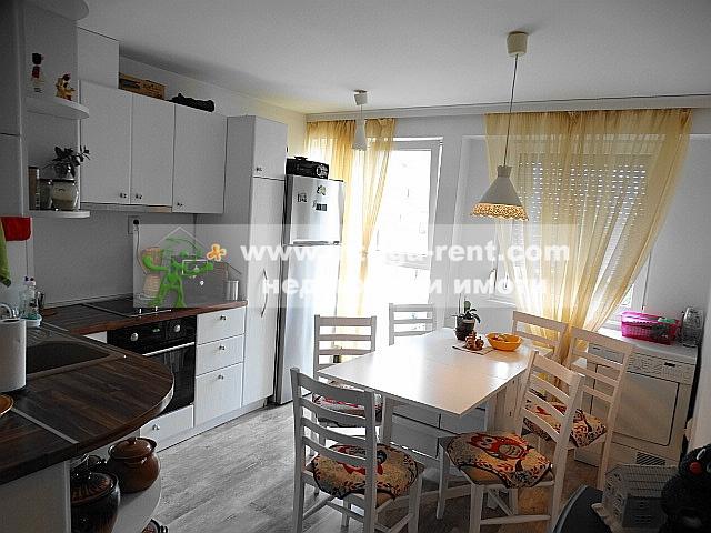 For Sale Тhree bedroom apartmentdistrict Haskovo /   /